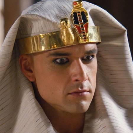 Ramsés perdió la cabeza con tanto poder - Parte 1
