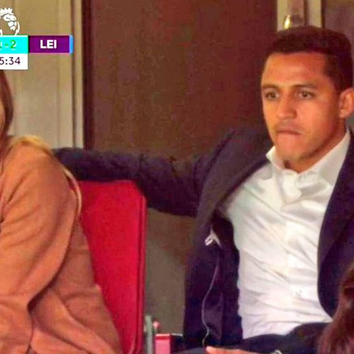 Alexis no juega en estreno del Arsenal y sigue partido junto a Mayte
