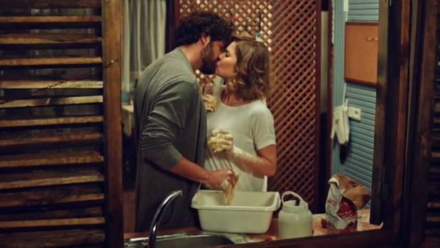 Hülya y Kerim ya no esconden su amor