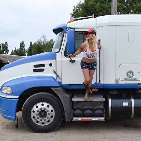Angie Jibaja se une a El Camionero