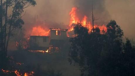 Evacúan cerro Ramaditas por reactivación de fuego