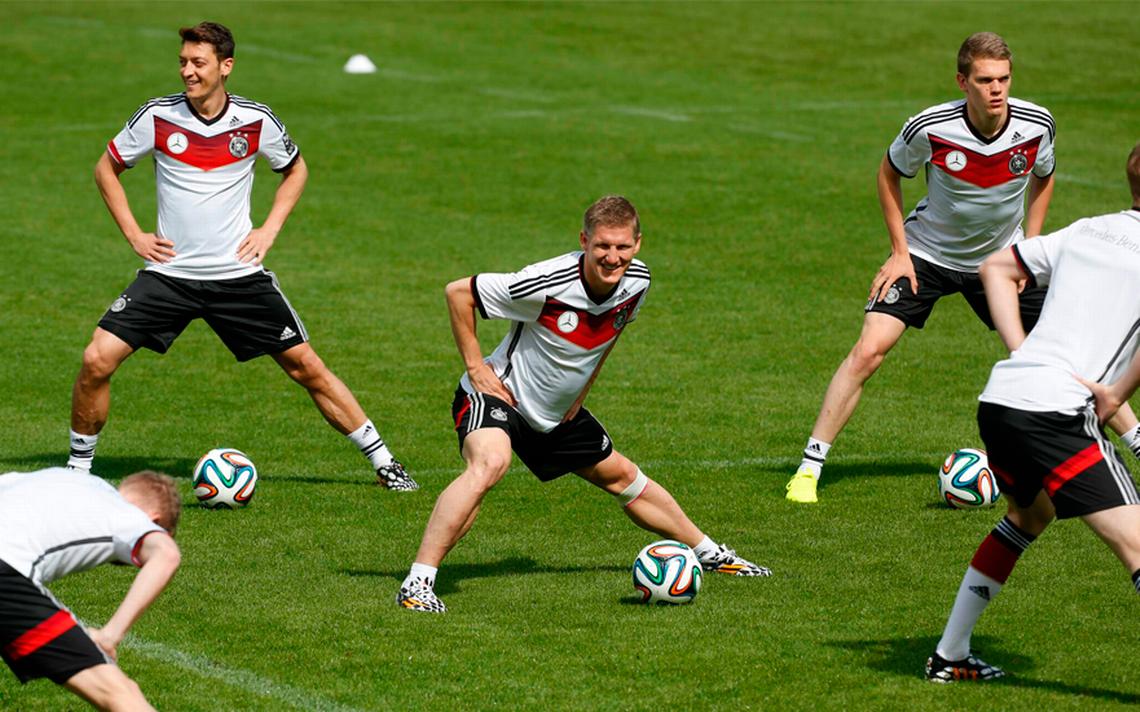Schweinsteiger y Khedira vuelven a entrenar