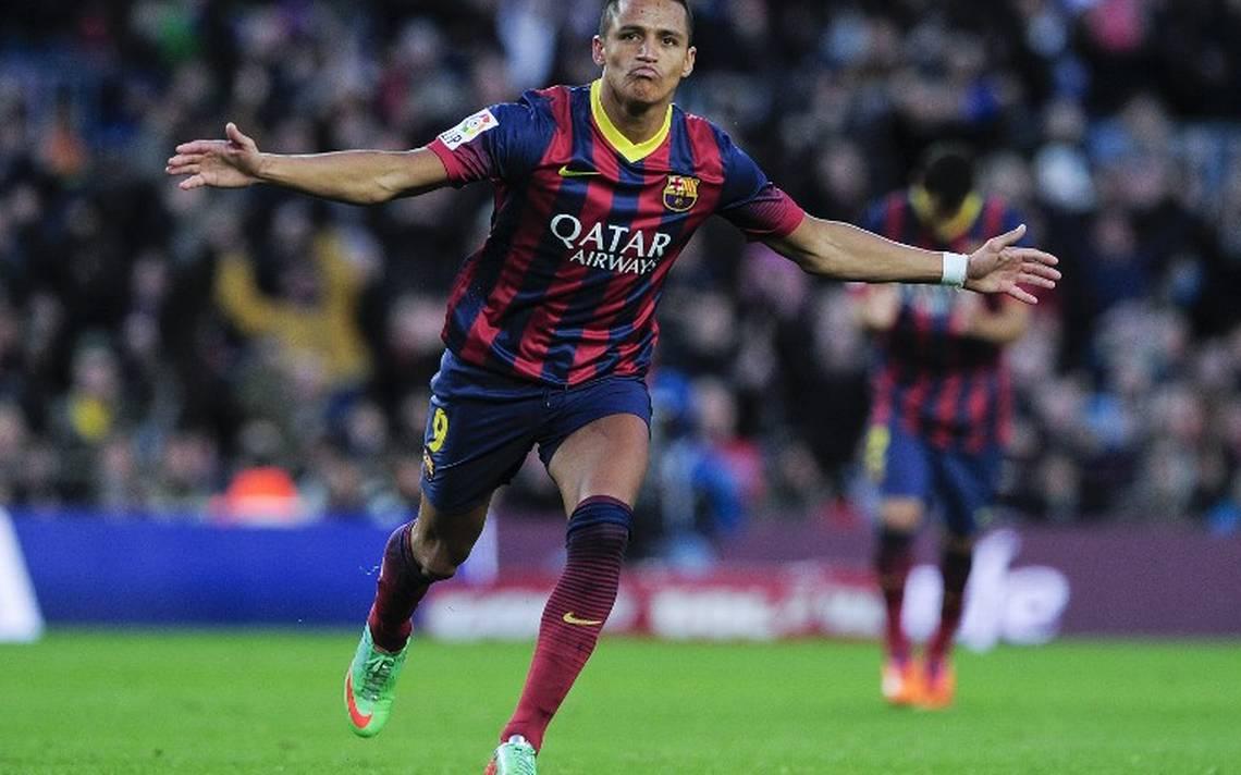Barcelona recuerda los mejores momentos de Alexis en adiós