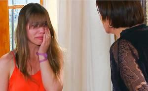 Adriana golpea a Roberta