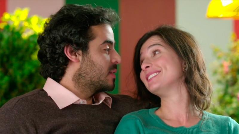 Julia y Javier forman una familia