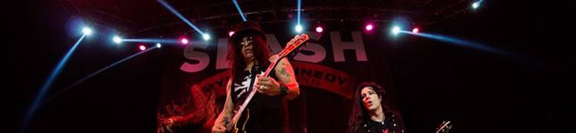 Cientos de fanáticos disfrutaron de Slash en Chile