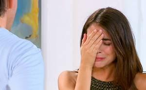 Ángela duda de Emilio
