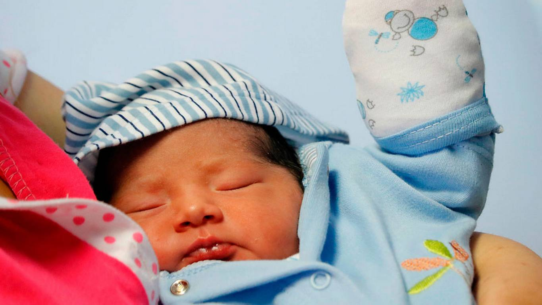 Nace bebé gigante en Rusia