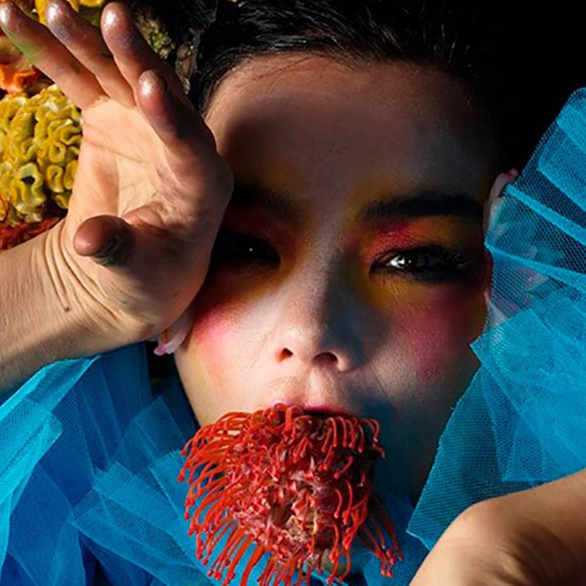 Björk lanza videoclip y confirma fecha para próximo álbum
