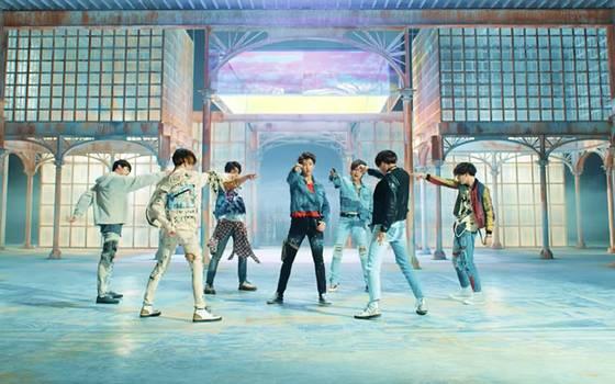 """BTS estrena nuevo disco y video del single \""""Fake Love\"""""""