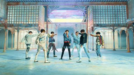 "BTS estrena nuevo disco y video del single ""Fake Love"""