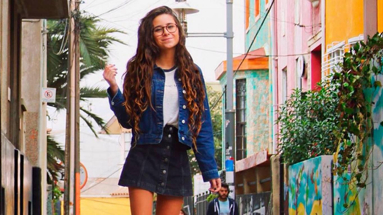 Ondera y estilosa: Camila Gallardo es furor con sus looks en Instagram