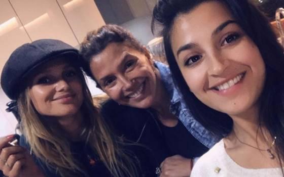Carolina Arregui y sus hijas se lucen en cierre del Festival de Cine de Viña del Mar