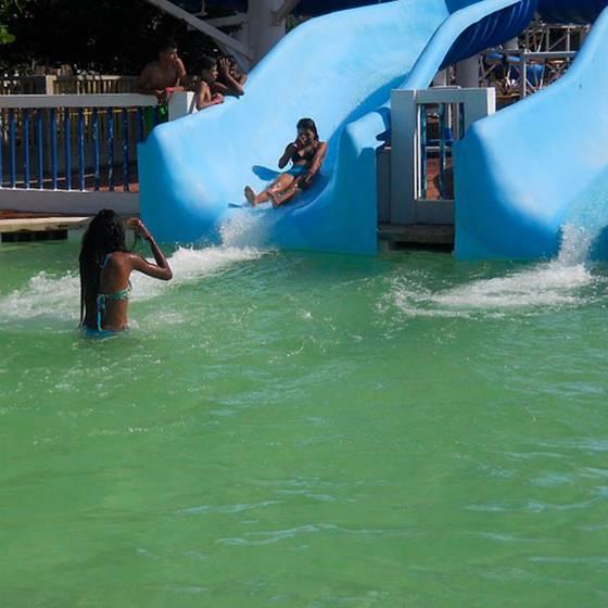¿Cómo evitar las intoxicaciones con el cloro de piscinas?