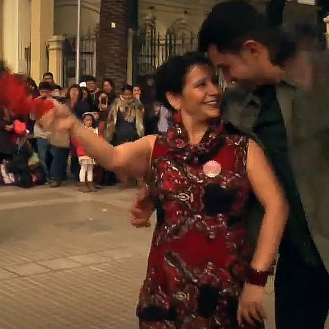 Cueca urbana: Un baile seductor y de libre expresión