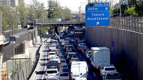 Denuncian altos cobros en autopista