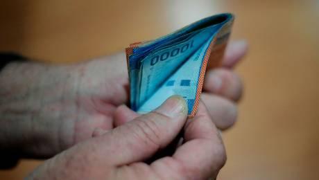 ¿Cómo cobrar la pensión alimenticia a alguien que está cesante?