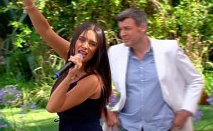 """¡Domi se \""""luce\"""" en el karaoke del Matinal!"""