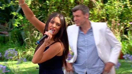 """¡Domi se """"luce"""" en el karaoke del Matinal!"""
