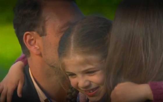 Elif volvió a sentir los abrazos de sus padres