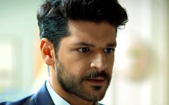 Selim reacciona frente a su familia