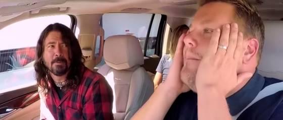 Foo Fighters recordó grandes éxitos en un nuevo Carpool Karaoke