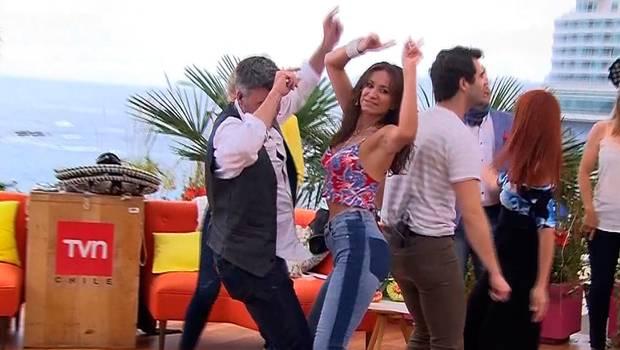 """¡Pura sensualidad! Alejandra Fosalba se luce bailando \""""Despacito\"""""""