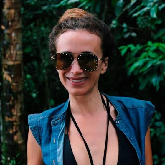 Alejandra Fosalba sorprende con fotos en bikini a sus 48 años