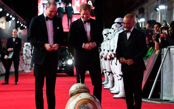 Harry y William llenaron de elegancia la premiere de Star Wars