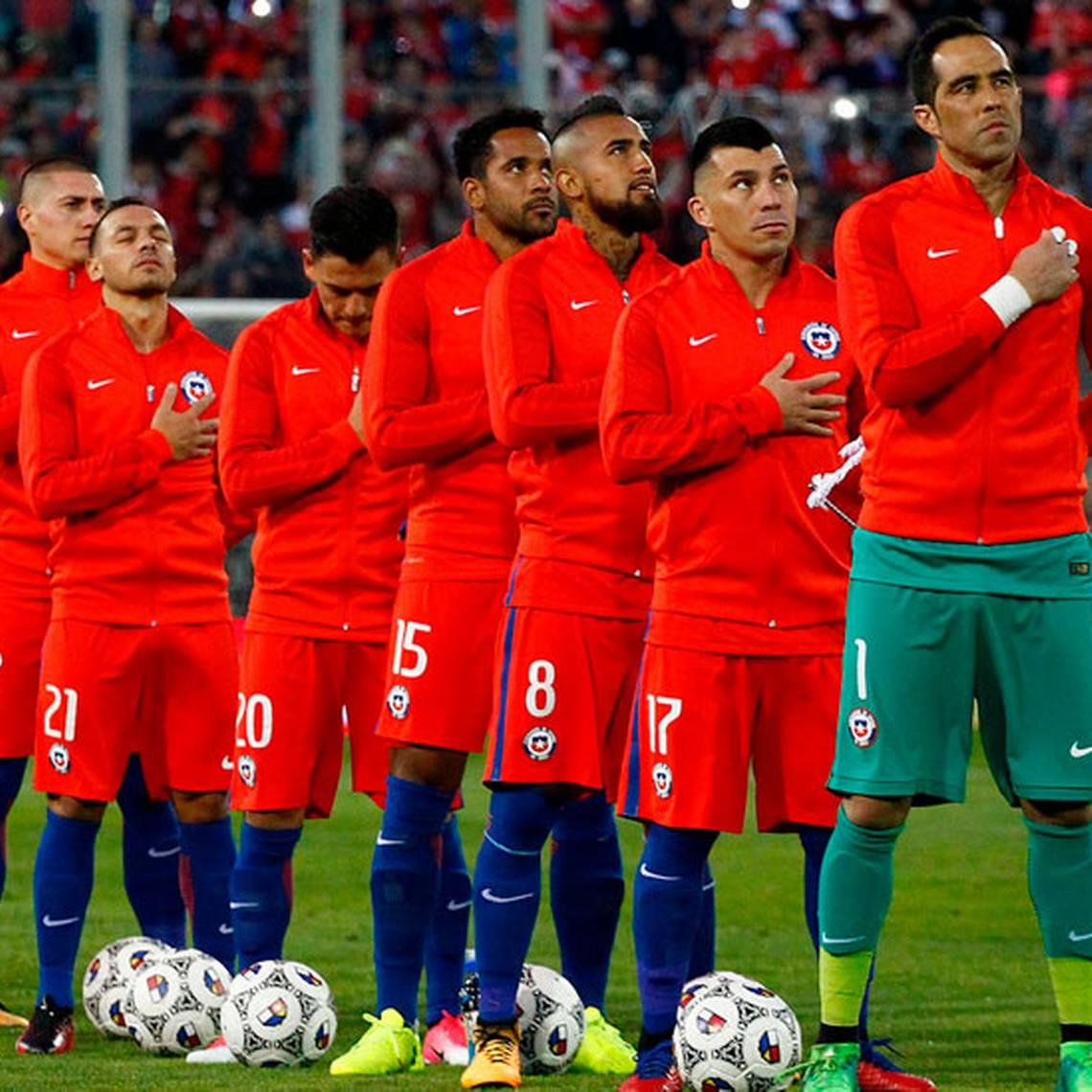 ¡Vamos Chile! Así se vivió el himno en el Estadio Monumental