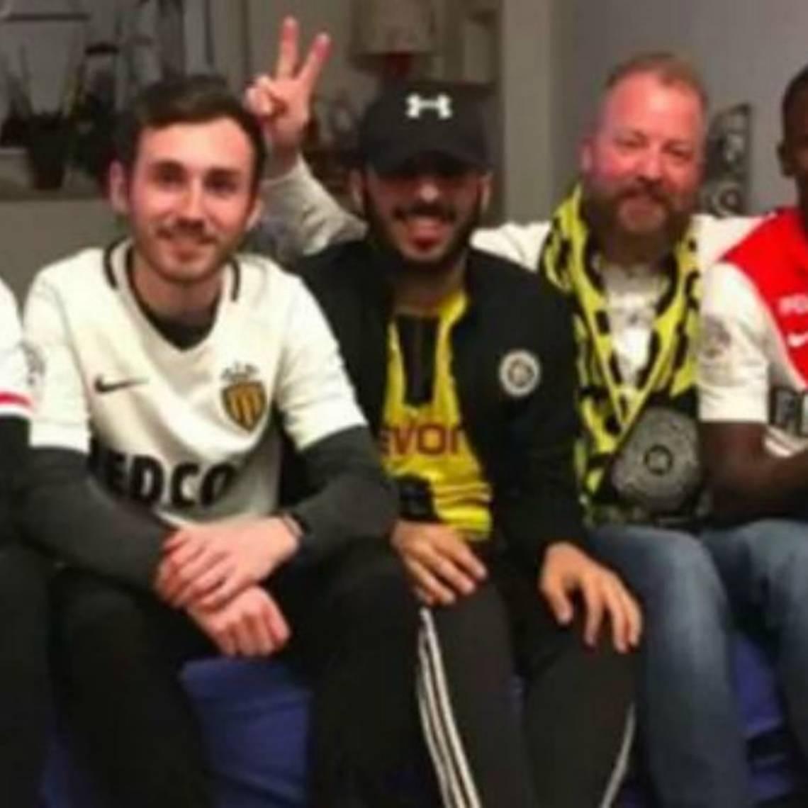 Solidarios gestos entre hinchas tras explosión en bus del Borussia