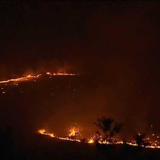 Maipú y Pudahuel en alerta roja por incendios