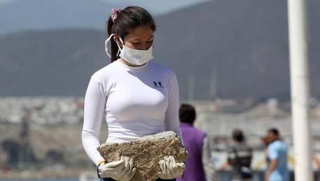 Continúa la limpieza después del terremoto