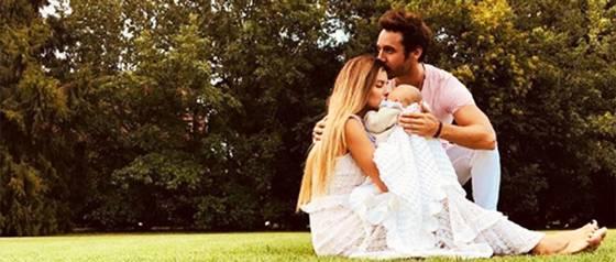 """María Eugenia \""""China\"""" Suárez comparte foto del rostro de su hija Magnolia"""