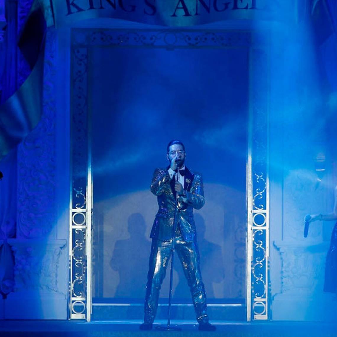 Maluma debuta como modelo y canta para Dolce & Gabbana