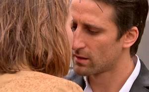 Alexis y Matilde no pueden contener el amor
