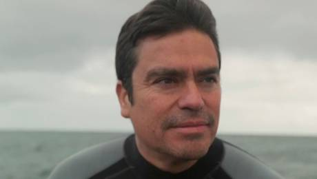 Max Bello y su apasionante lucha por los océanos