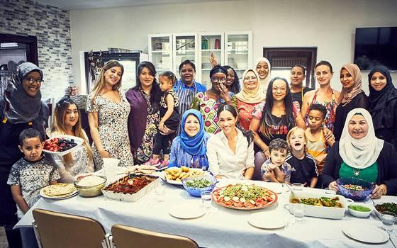 Meghan Markle cocinó junto a comunidad afectada por gran incendio
