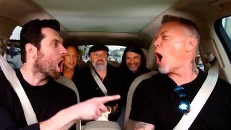 """Metallica sorprende a sus fanáticos cantando """"Diamonds"""" de Rihanna"""