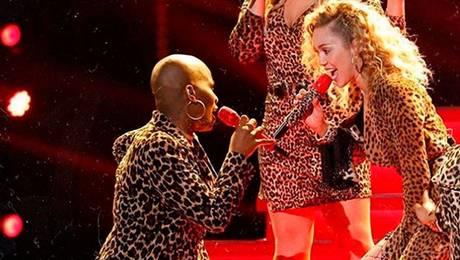 "Miley Cyrus ayuda a concursante de ""The Voice"" a encontrar un hogar"