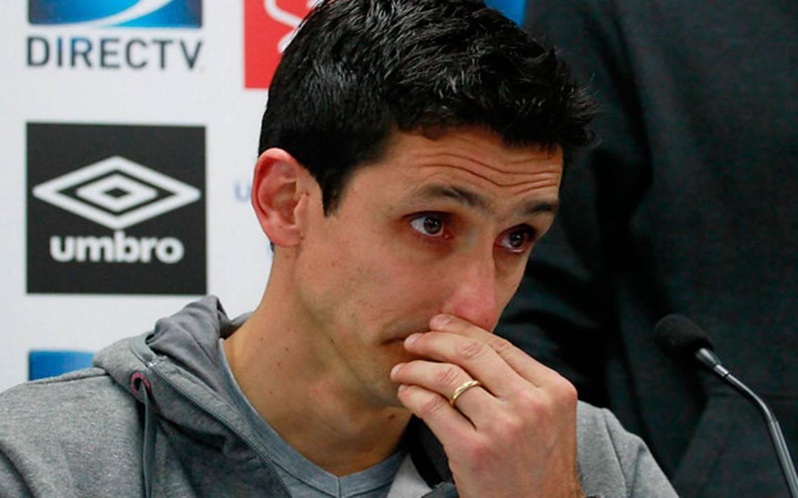Entre lágrimas Milovan Mirosevic anuncia su retiro como jugador