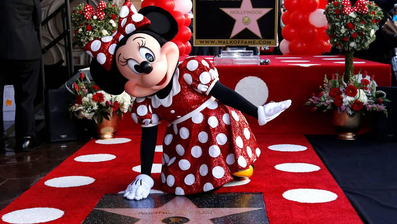 ¡Minnie Mouse recibe estrella en el Paseo de la Fama!