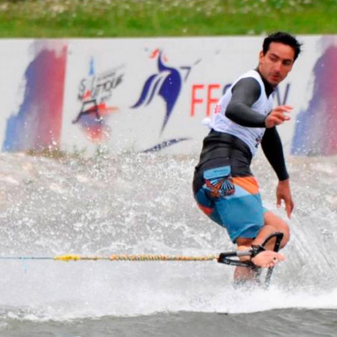 ¡Campeón! Chileno triunfó en Mundial de Esquí Náutico en Francia