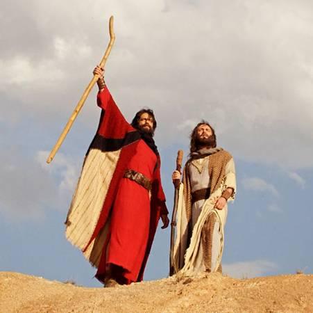 Dios guía el camino de los hebreos