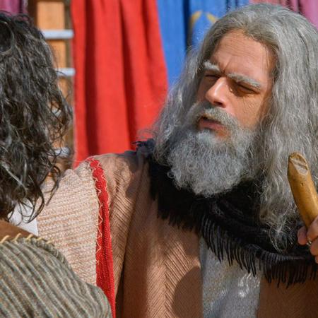 Moisés anuncia a Josué como su sucesor