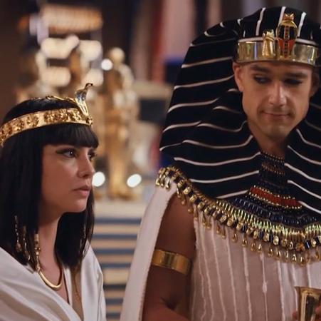 Nefertari se ríe de Moisés