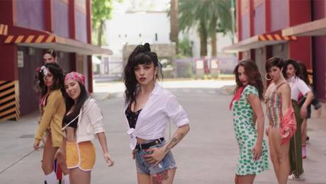 "VIDEO | Mon Laferte estrena su nuevo single ""Caderas blancas"""