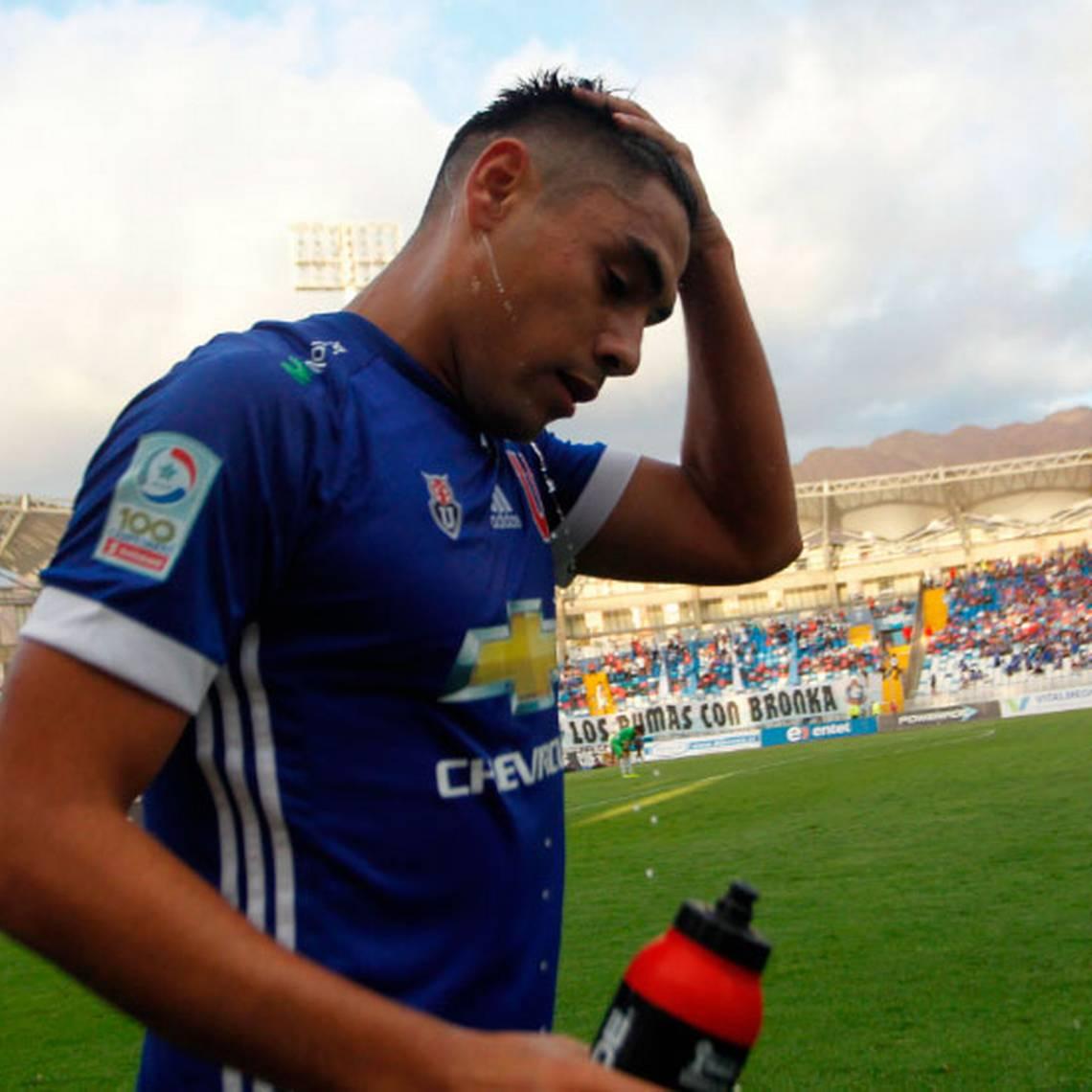 ¿Sin goleadores? Felipe Mora no va a la Copa Confederaciones