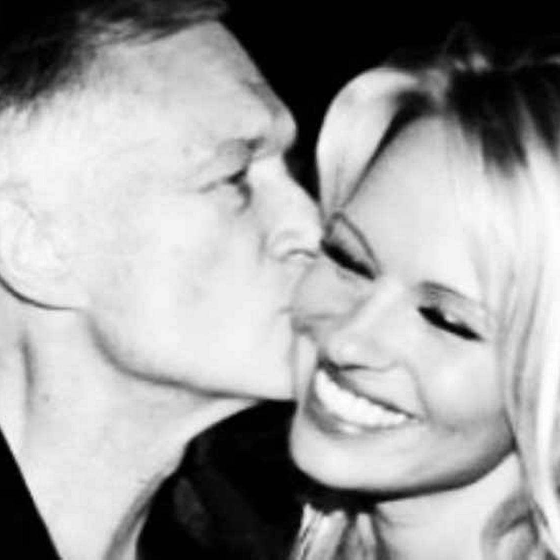 Pamela Anderson llora la muerte de Hugh Hefner