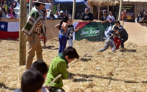 Así celebran los más pequeños en la tradicional Fiesta de la Pampilla